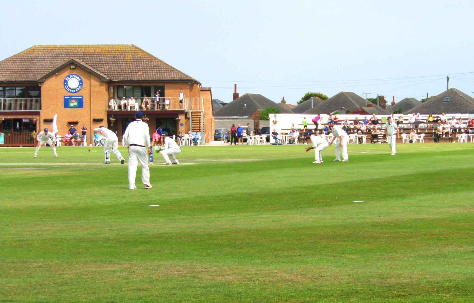 St Annes CC 1st XI fielding & clubhouse